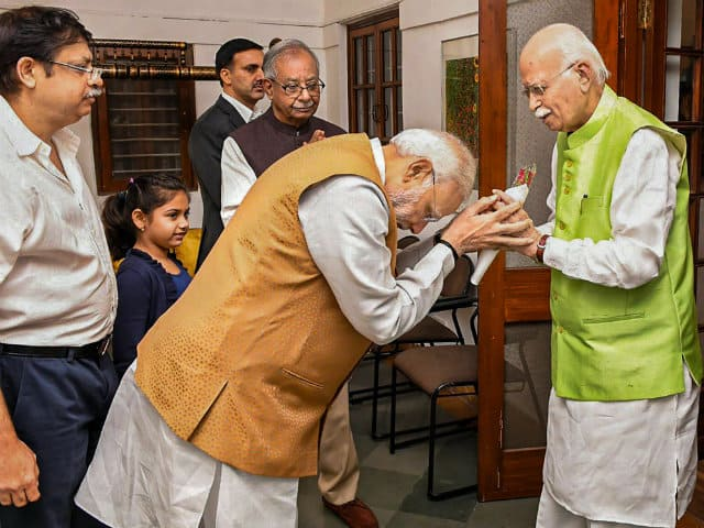 Narendra Modi Greets LK Advani