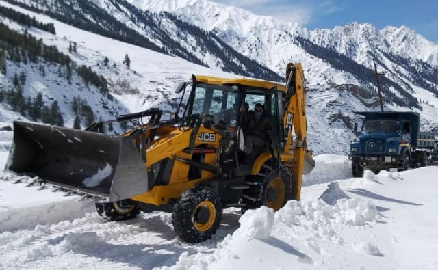 Snow Clearing Operation In HImachal
