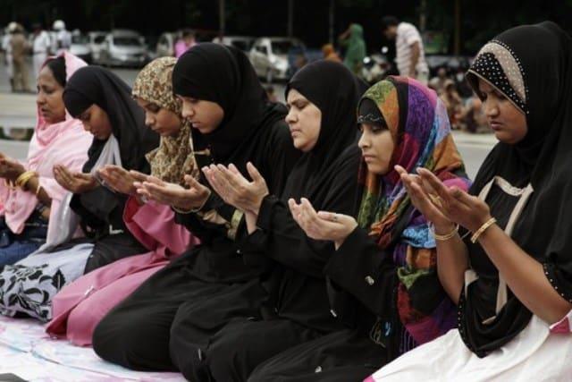 Women In Prayer