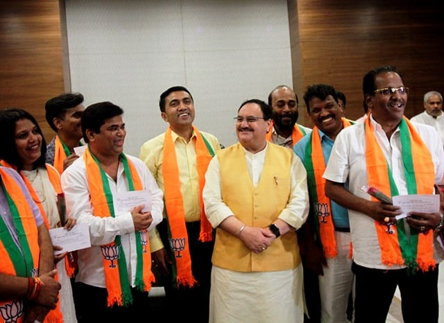 BJP President JP Nadda with 10 Congress MLAs from Goa