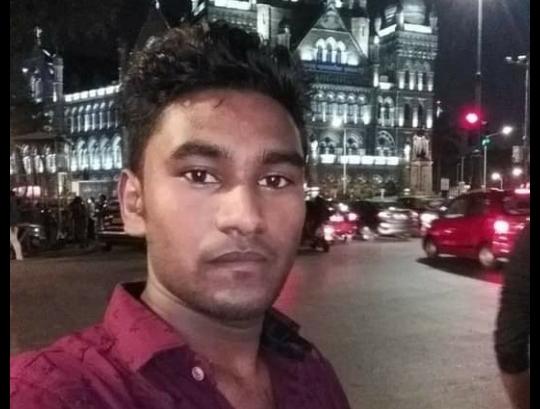 Dineshwar Kumar Mumbai Barternder Migrant Story